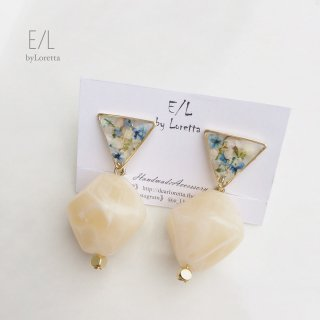Mini triangle Flower marble stone pierce/earring (Ice Blue)