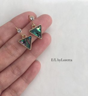 Shell triangle pierce/earring
