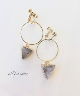ドゥルージークォーツ Triangle hoop pierce/earring