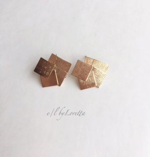 Gold random square plate pierce