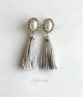 【12/1(tue)21:00〜Order Start.】Oval pearl stitch × tassel pierce/earring(Ash Green)