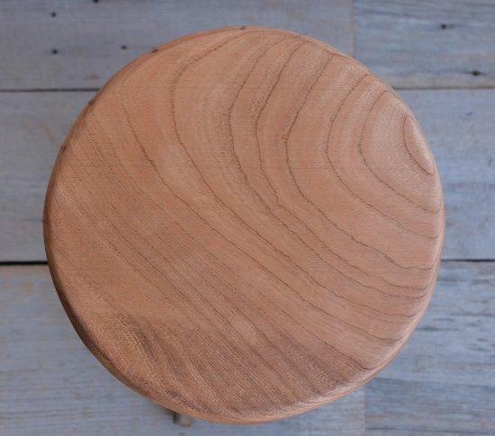 ストレートな丸椅子の画像