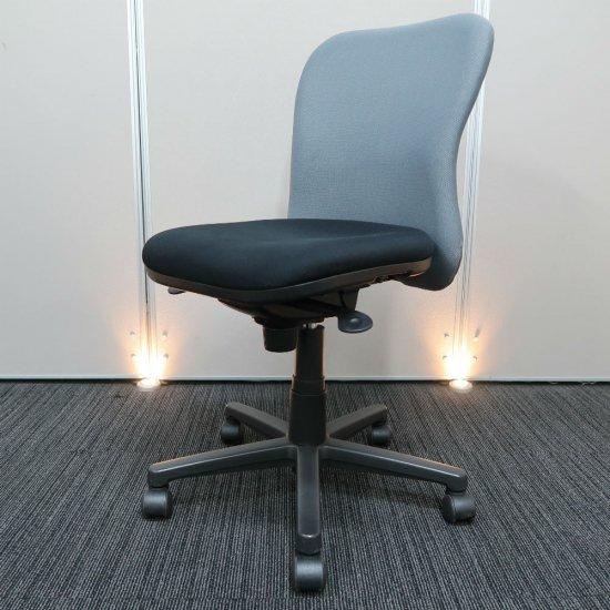 【お買得!】【オフィス空間に調和しやすい、スタンダード オフィスチェア】【中古】プラス/カプティ