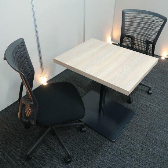 【オフィスの共有スペースを、気持ちよく心地良い場所に変える】【テーブル & チェア�脚セット】【中古】オカムラ/アルトピアッツァ(テーブル)+ウチダ/アクトディア(チェア)