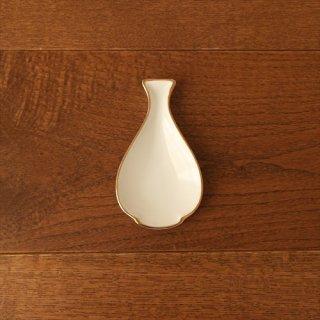 白磁の小さなお皿 4