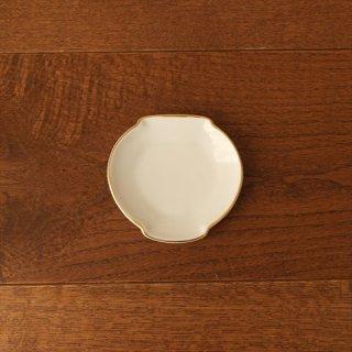 白磁の小さなお皿 3