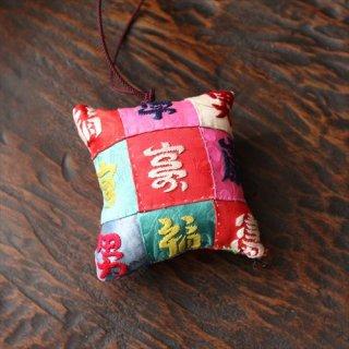 福刺繍針山 24