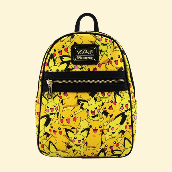 <img class='new_mark_img1' src='https://img.shop-pro.jp/img/new/icons20.gif' style='border:none;display:inline;margin:0px;padding:0px;width:auto;' />LOUNGEFLY × POKEMON PIKACHU PICHU PRINT MINI BACKPACK / ラウンジフライ ポケモン バックパック