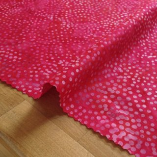 カットクロス DOT BATIKS 【Raspberry 】