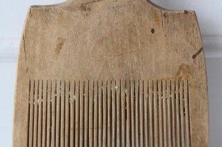 古い木製千歯扱きA