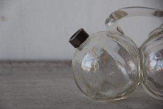 双子のガラス瓶