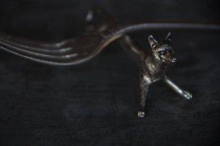 狼モチーフのカトラリーレストE