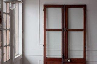 グレモン錠の窓付ドア/片面ペイント