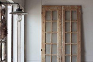 型板ガラス窓入り木製ドア