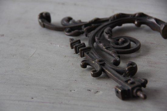 ロカイユ装飾の真鍮製パーツ/壁飾り