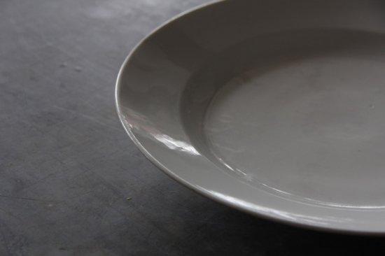 白釉の大皿A