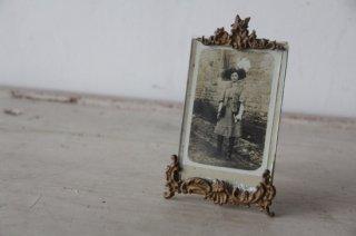 ロカイユ装飾の小さな写真立て
