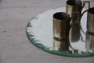 カットガラスのミラー ラウンド中