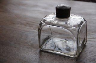 ぽってりガラスの蓋付角瓶/インクボトル