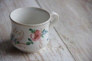 ハンドペイントの花柄ティーカップ