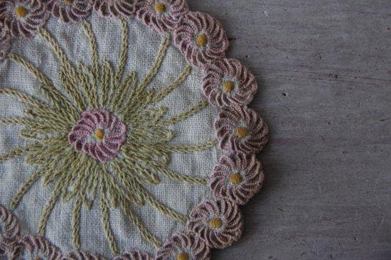 ラウンド花刺繍クロス ドイリー/コースター