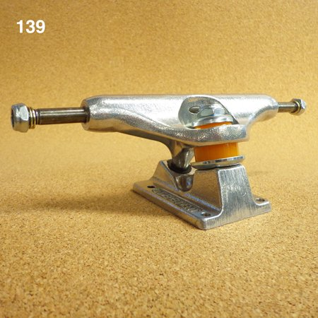 INDEPENDENT TRUCK 139 SILVER  STANDARD (単品)