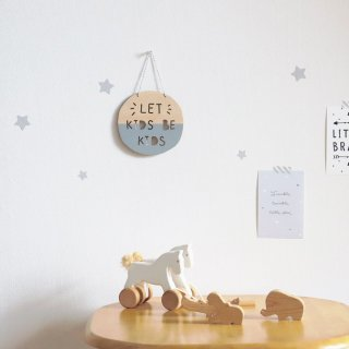 <img class='new_mark_img1' src='https://img.shop-pro.jp/img/new/icons14.gif' style='border:none;display:inline;margin:0px;padding:0px;width:auto;' />wooden wall decor(let kids be kids)