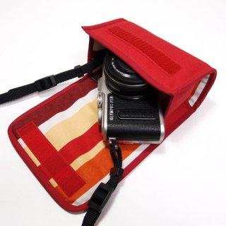 オリンパスペンLite E-PL9ケース /E-PL8ケース--14-42mm EZ レンズキット(レッド・オレンジストライプ)--カラビナ付