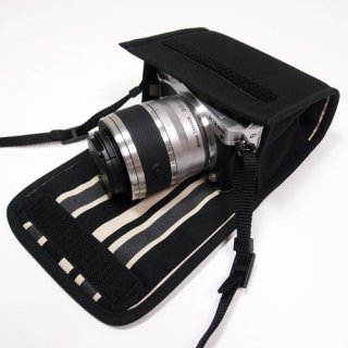 Nikon1 J5ケース- ダブルズームレンズ用(ブラック・カーボンストライプ)