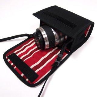Nikon1 J5ケース- ダブルズームレンズ用(ブラック・ボルドーストライプ)--カラビナ付