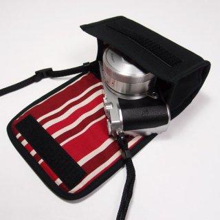 Nikon1 J5ケース- 標準ズームレンズ用(ブラック・ボルドーストライプ)--カラビナ付