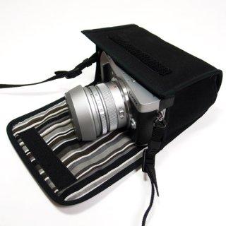 LUMIX GX7 MarkIIケース(ブラック・アルバグレイ) - ライカDGレンズ+レンズフード用 --カラビナ付