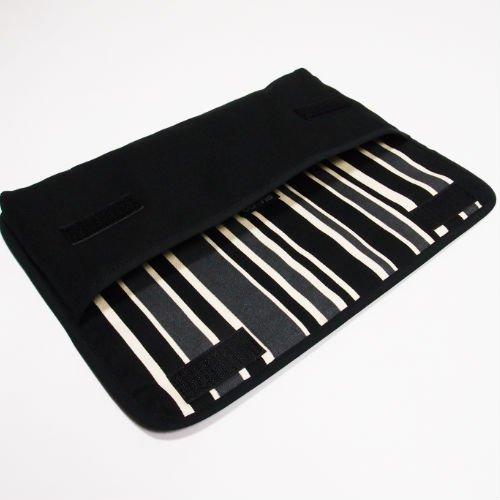 Apple Magicキーボードケース(ブラック・カーボンストライプ)