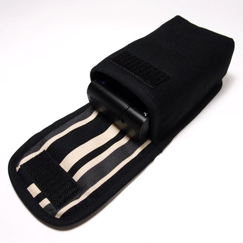カメラケース デジカメ ソニーサイバーショット DSC-RX100M6ケース--タテ型(ブラック・カーボンストライプ)