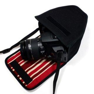 キヤノン EOS Kiss X10ケース(ブラック・ボルドーストライプ)--EF-S18-55 IS STM レンズ用