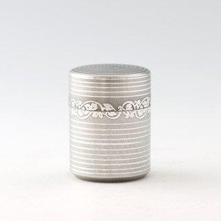 錫 茶筒 唐草 イブシ加工 90g 商品番号:14/名入れ・マーク入れ 不可