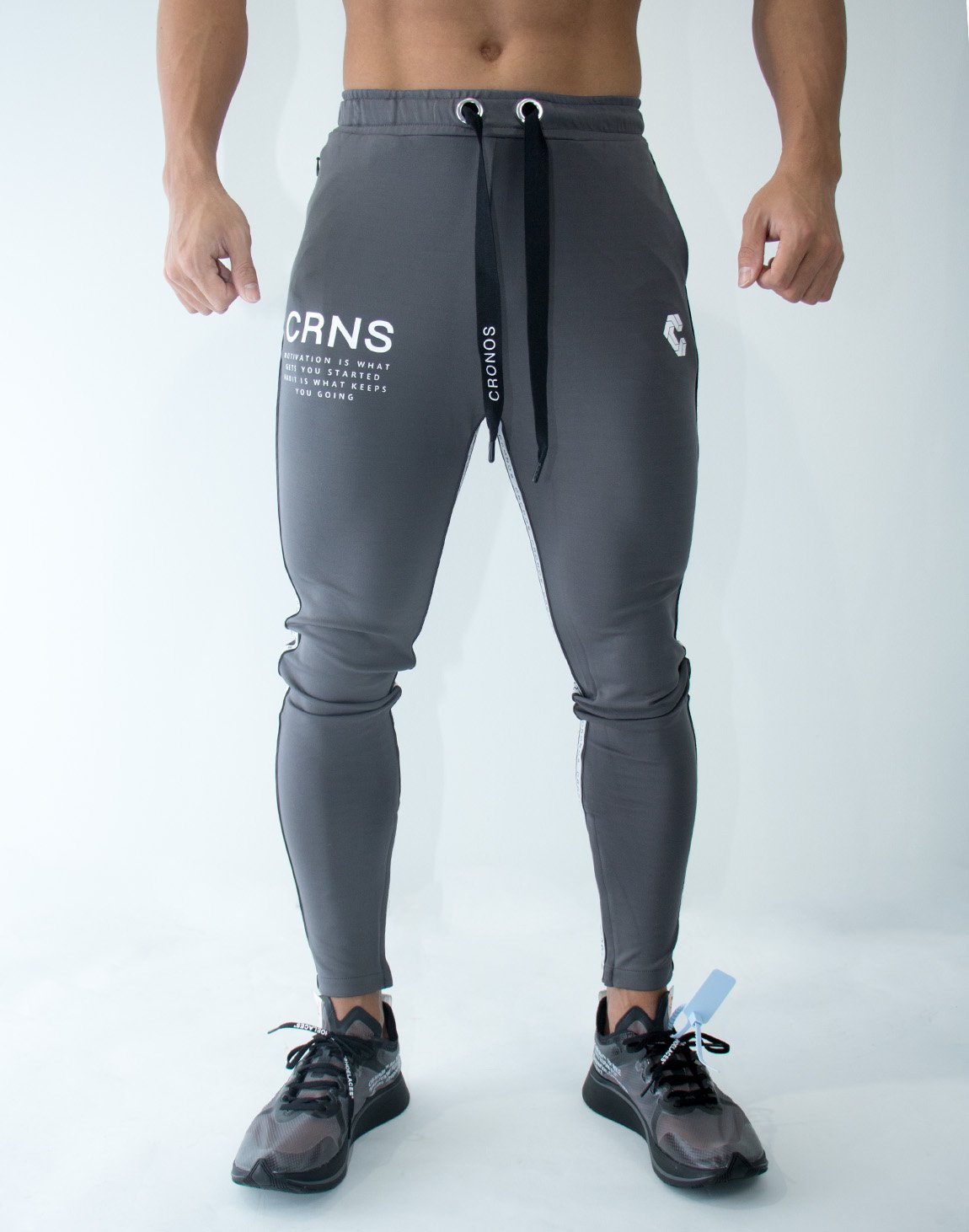 <img class='new_mark_img1' src='https://img.shop-pro.jp/img/new/icons1.gif' style='border:none;display:inline;margin:0px;padding:0px;width:auto;' />CRNS Logo Stripe Long Pants 09 GRAY
