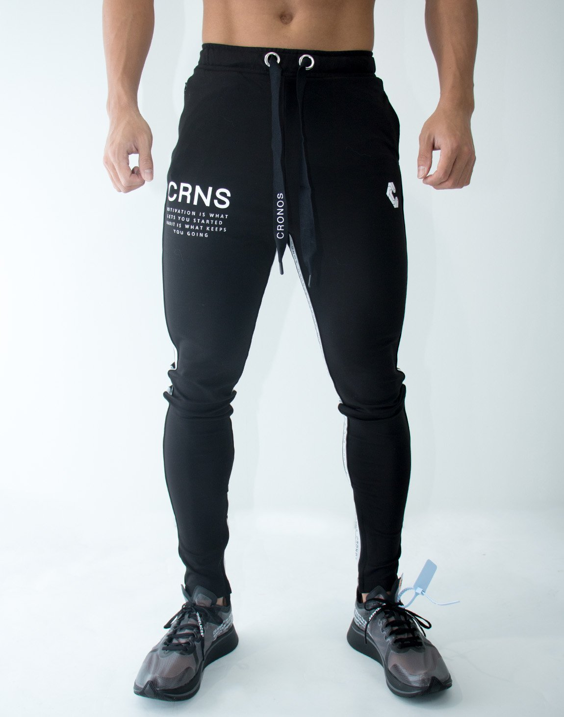 <img class='new_mark_img1' src='https://img.shop-pro.jp/img/new/icons1.gif' style='border:none;display:inline;margin:0px;padding:0px;width:auto;' />CRNS Logo Stripe Long Pants 09 BLACK