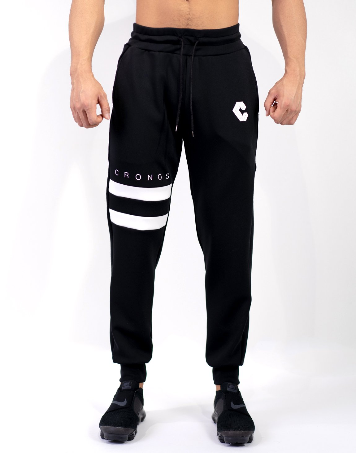 <img class='new_mark_img1' src='https://img.shop-pro.jp/img/new/icons1.gif' style='border:none;display:inline;margin:0px;padding:0px;width:auto;' />Mode Tow Line Jogger Pants Black