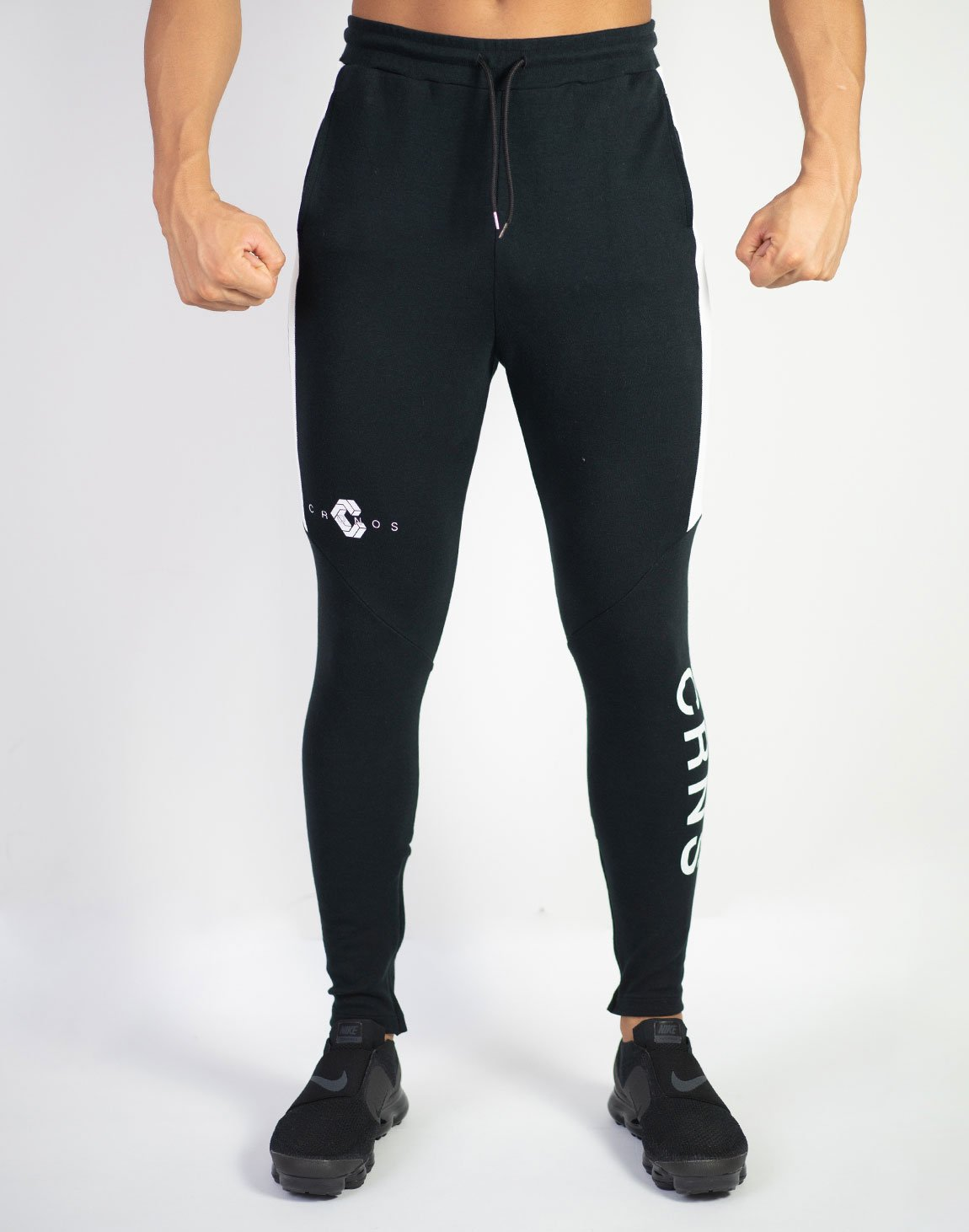<img class='new_mark_img1' src='https://img.shop-pro.jp/img/new/icons1.gif' style='border:none;display:inline;margin:0px;padding:0px;width:auto;' />CRNS Half Line Pants  BLACK