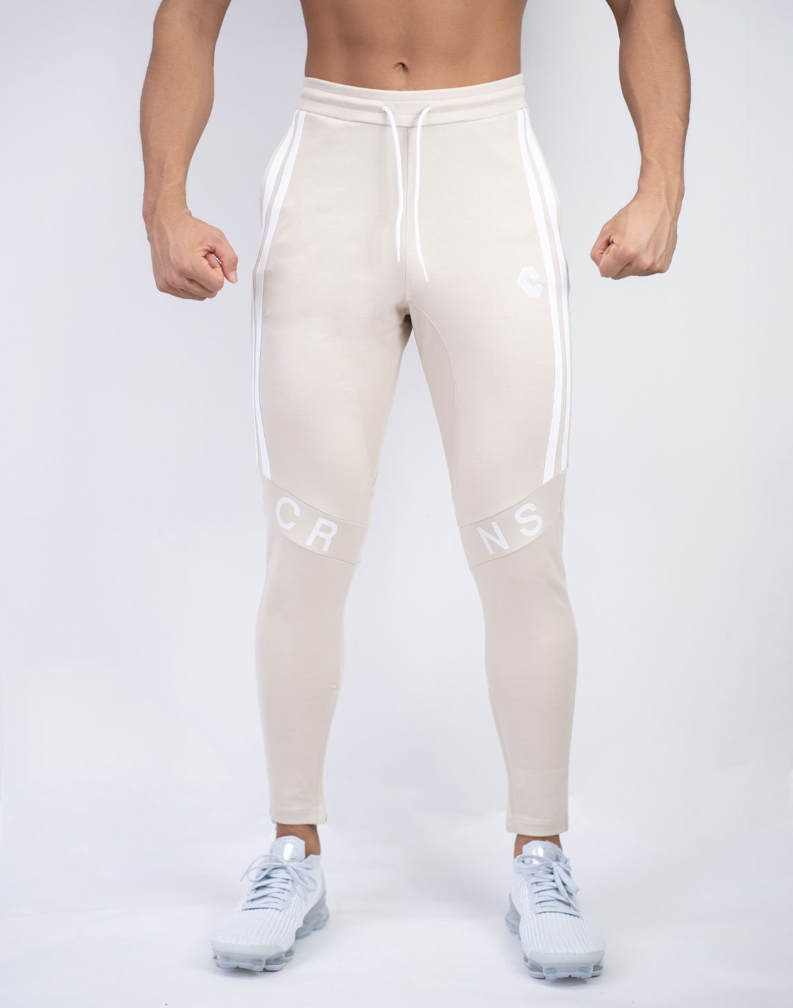 <img class='new_mark_img1' src='https://img.shop-pro.jp/img/new/icons55.gif' style='border:none;display:inline;margin:0px;padding:0px;width:auto;' />CRNS KNEE LOGO PANTS 【BEIGE】