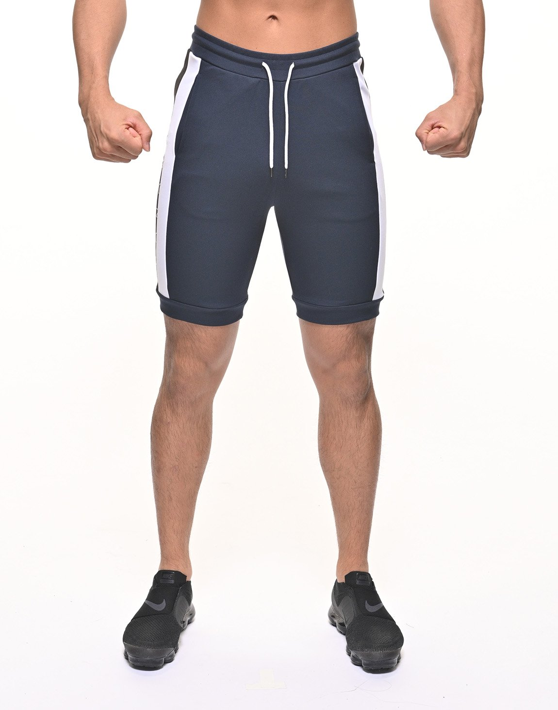 <img class='new_mark_img1' src='https://img.shop-pro.jp/img/new/icons55.gif' style='border:none;display:inline;margin:0px;padding:0px;width:auto;' />CRONOS BORDER COLOR SHORTS【NAVY】