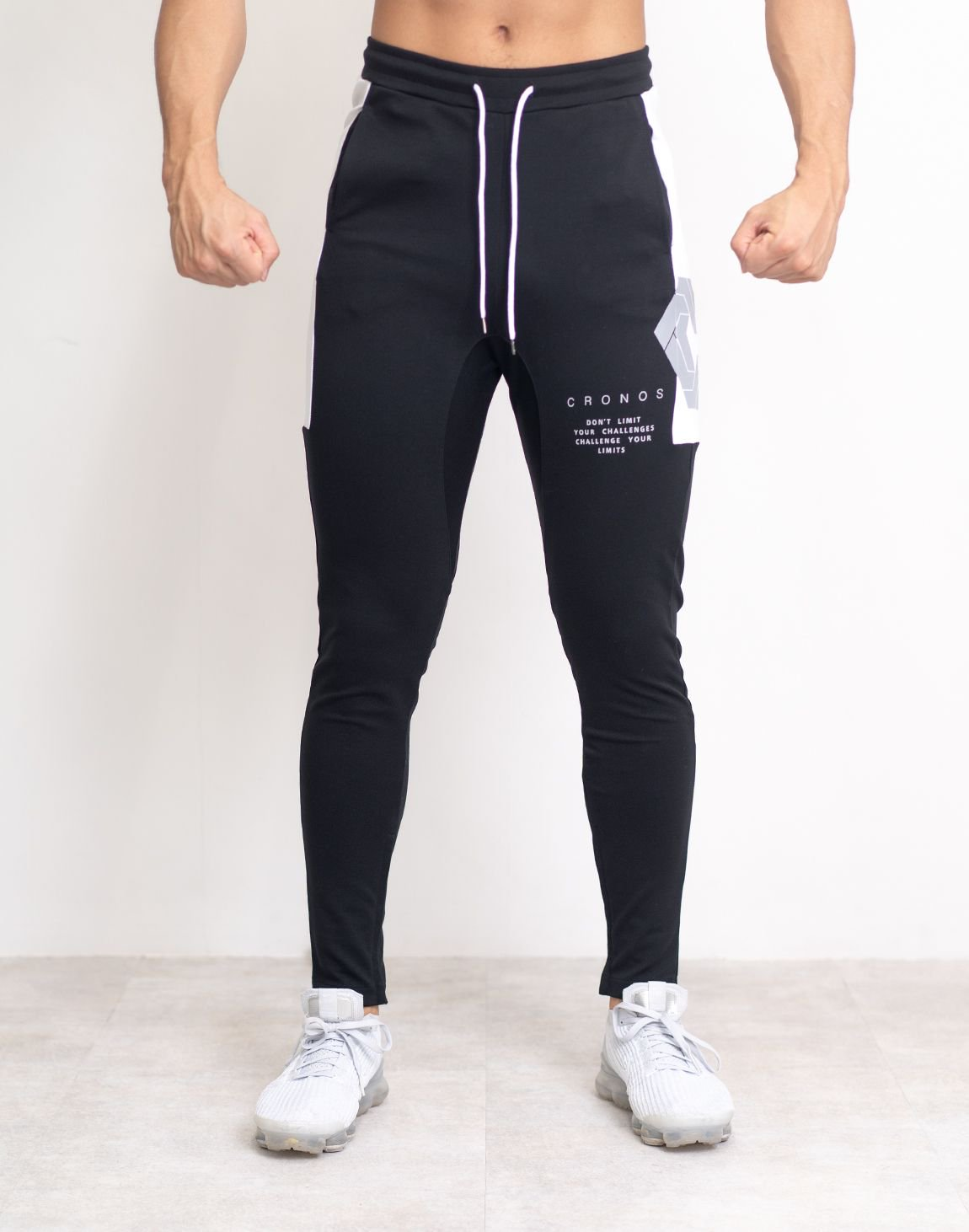 <img class='new_mark_img1' src='https://img.shop-pro.jp/img/new/icons1.gif' style='border:none;display:inline;margin:0px;padding:0px;width:auto;' />CRONOS SIDE BIG LOGO PANTS【BLACK】