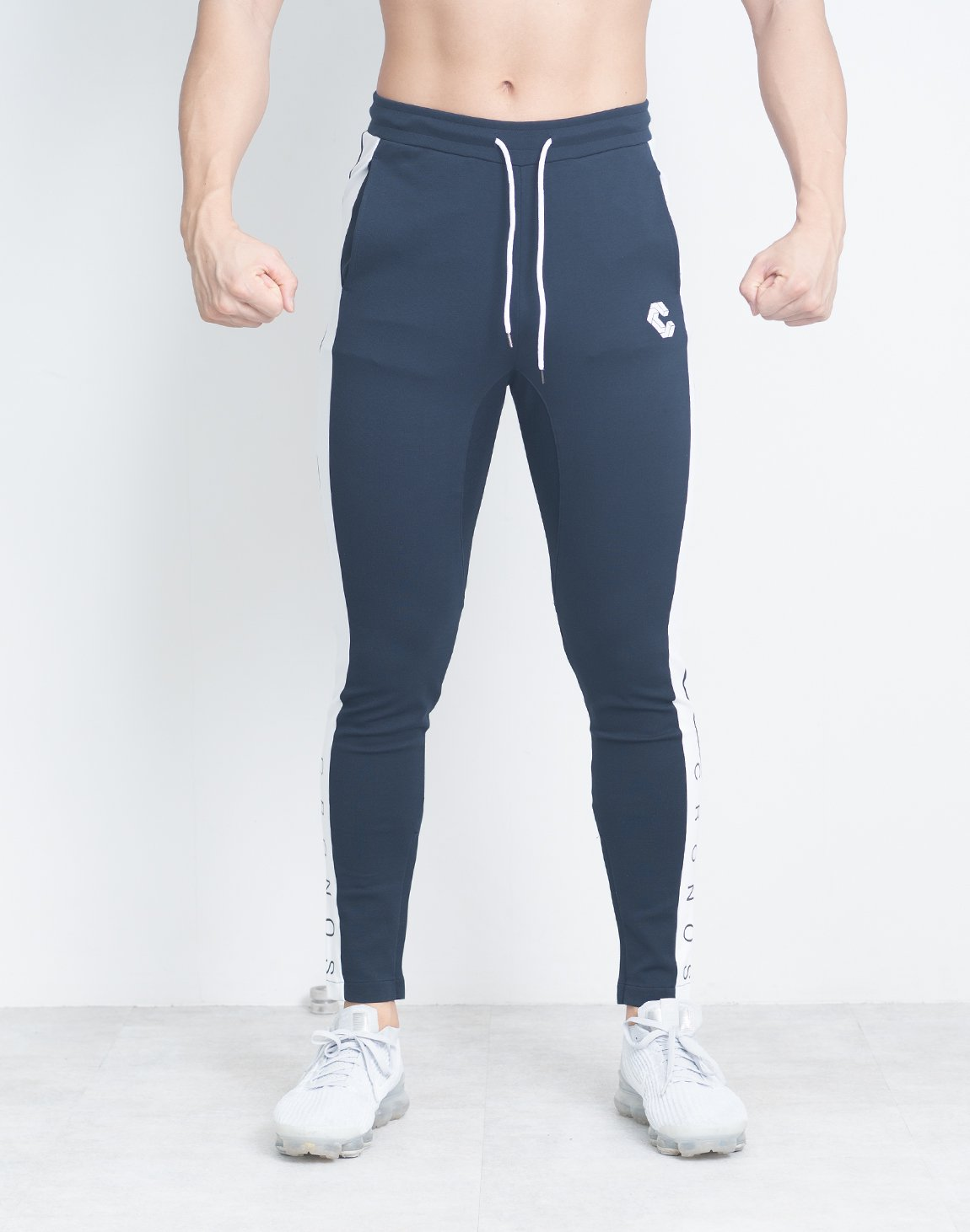 <img class='new_mark_img1' src='https://img.shop-pro.jp/img/new/icons1.gif' style='border:none;display:inline;margin:0px;padding:0px;width:auto;' />CRONOS SIDE FONT LOGO PANTS【NAVY】