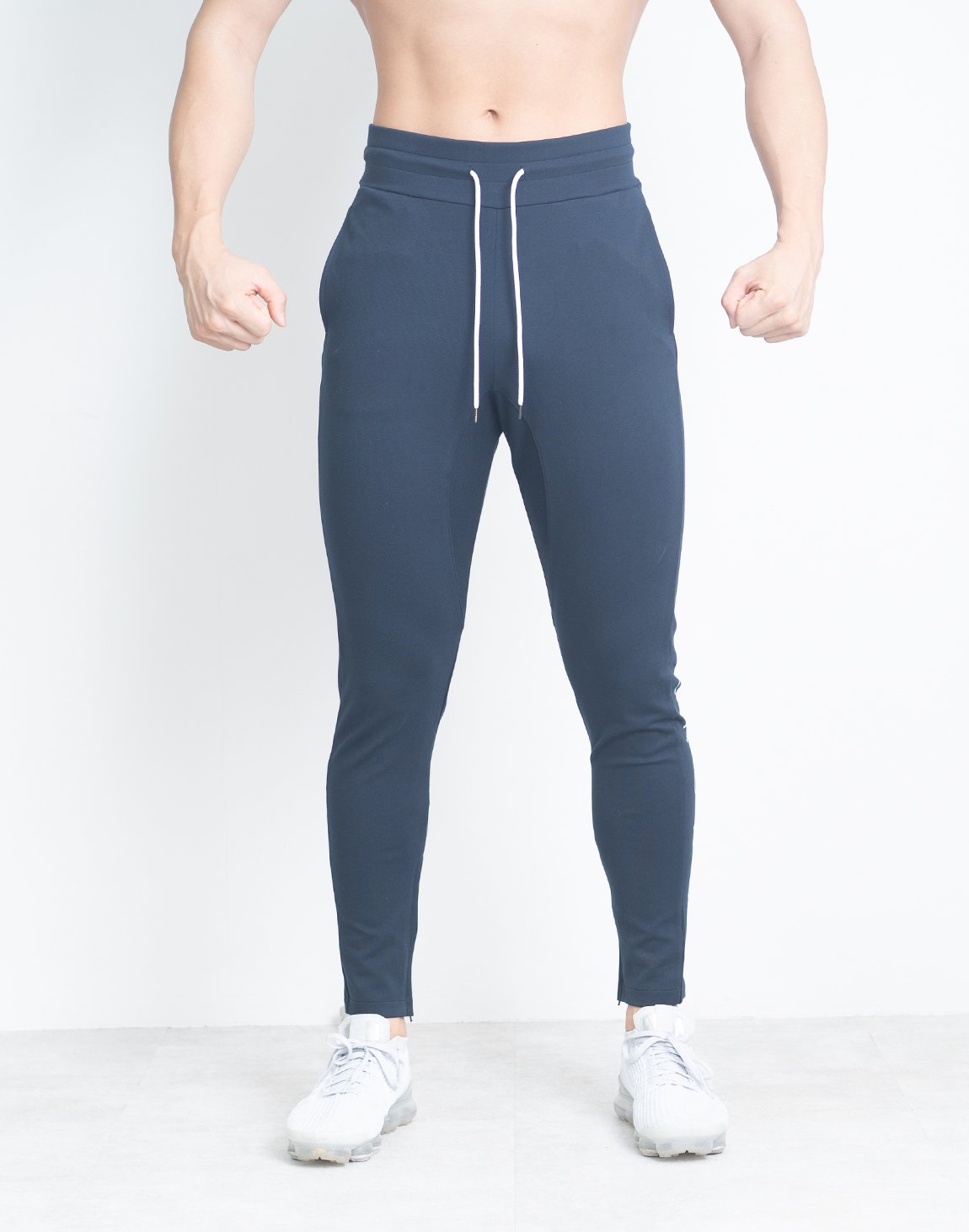 <img class='new_mark_img1' src='https://img.shop-pro.jp/img/new/icons1.gif' style='border:none;display:inline;margin:0px;padding:0px;width:auto;' />CRONOS PLAIN PANTS【NAVY】