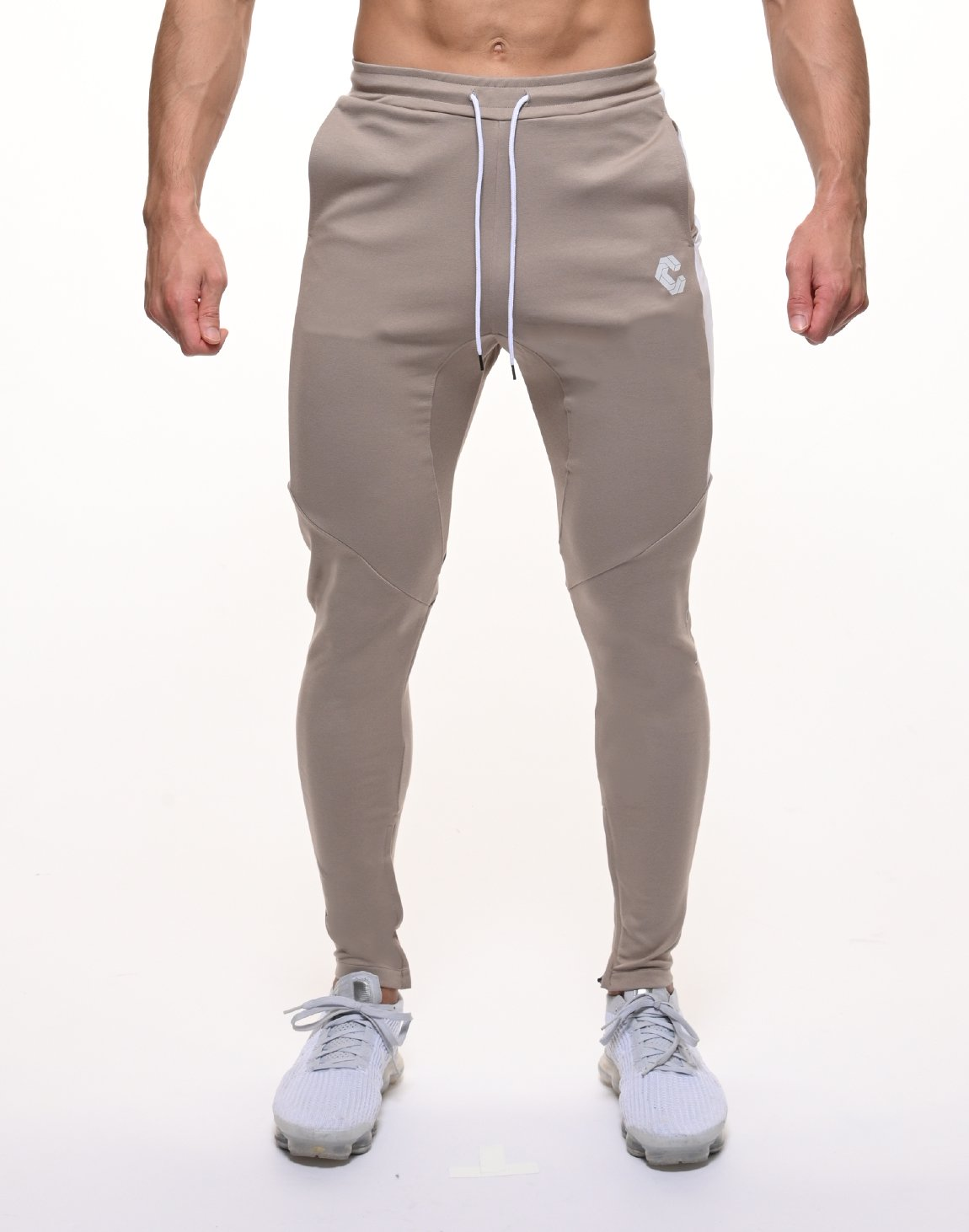 <img class='new_mark_img1' src='https://img.shop-pro.jp/img/new/icons1.gif' style='border:none;display:inline;margin:0px;padding:0px;width:auto;' />CRONOS HALF LINE PANTS【BEIGE】