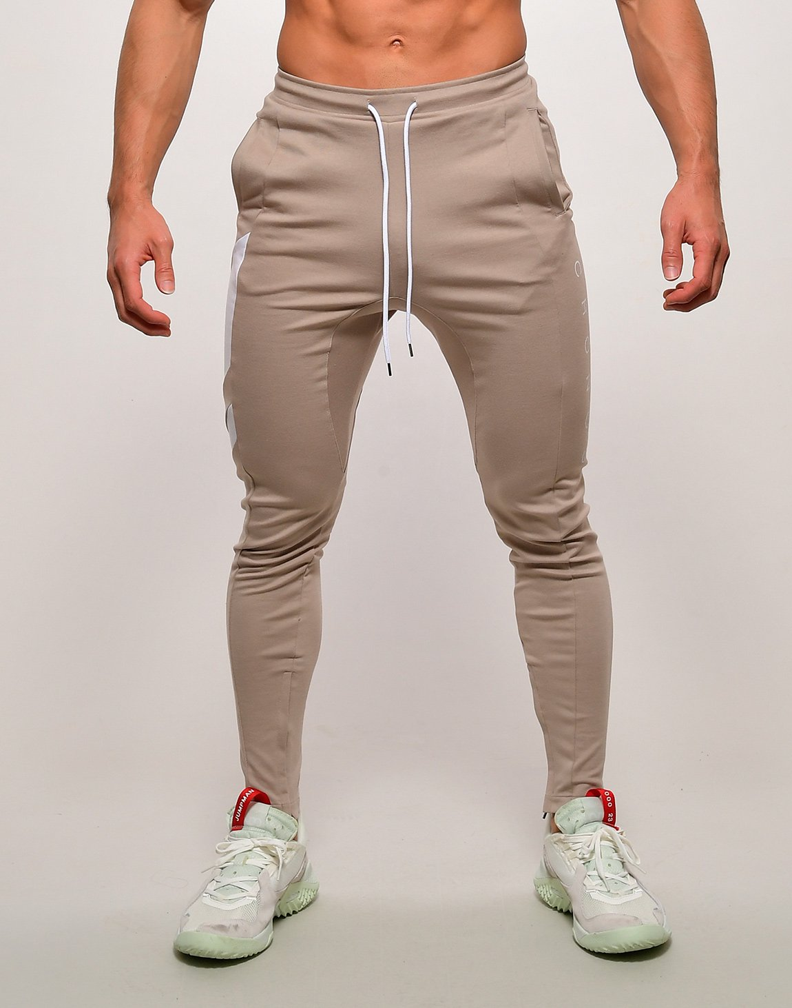<img class='new_mark_img1' src='https://img.shop-pro.jp/img/new/icons55.gif' style='border:none;display:inline;margin:0px;padding:0px;width:auto;' />CRONOS SLANTED LINE PANTS【BEIGE】
