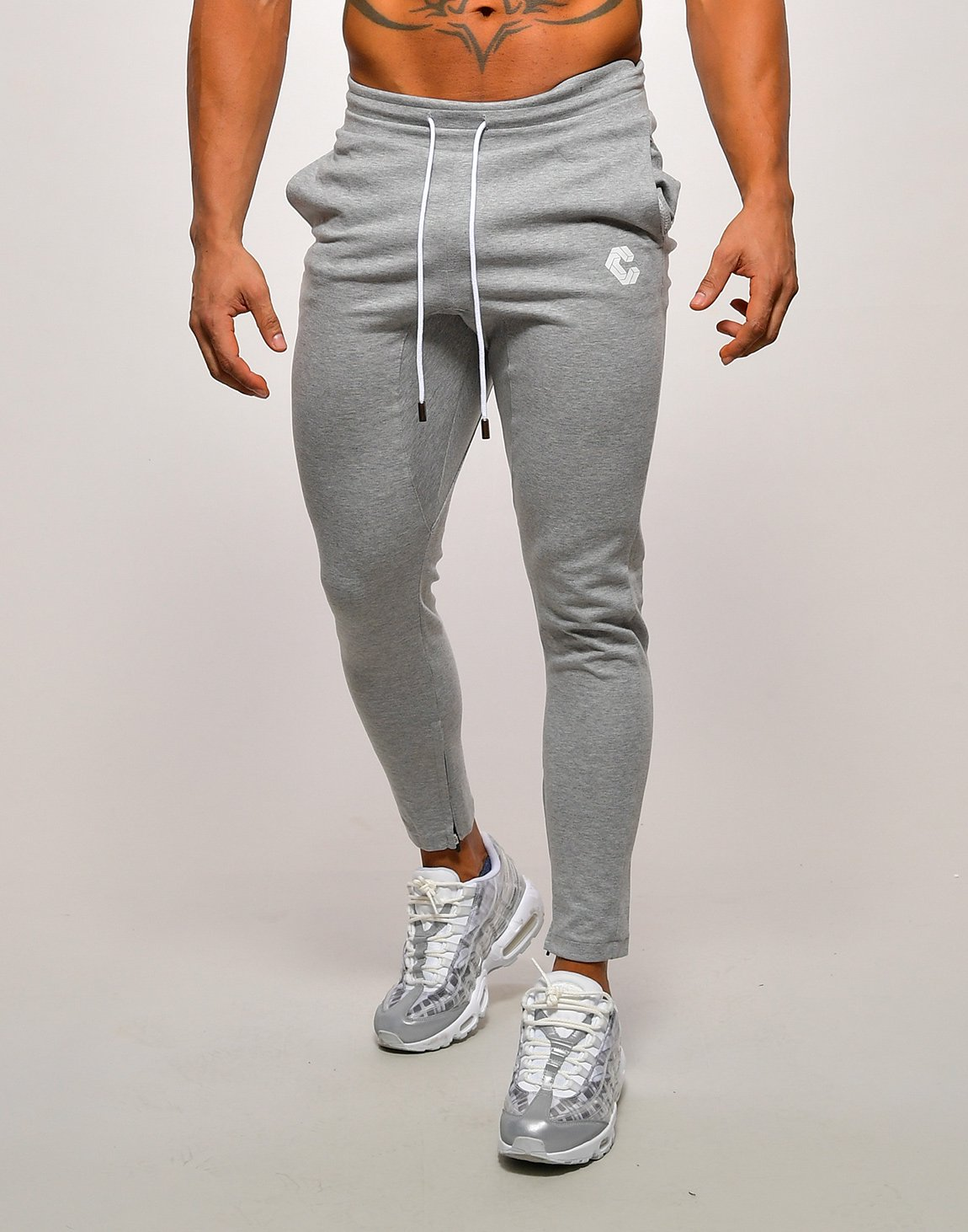 <img class='new_mark_img1' src='https://img.shop-pro.jp/img/new/icons1.gif' style='border:none;display:inline;margin:0px;padding:0px;width:auto;' />CRONOS SIDE FONT PANTS【T.GRAY】