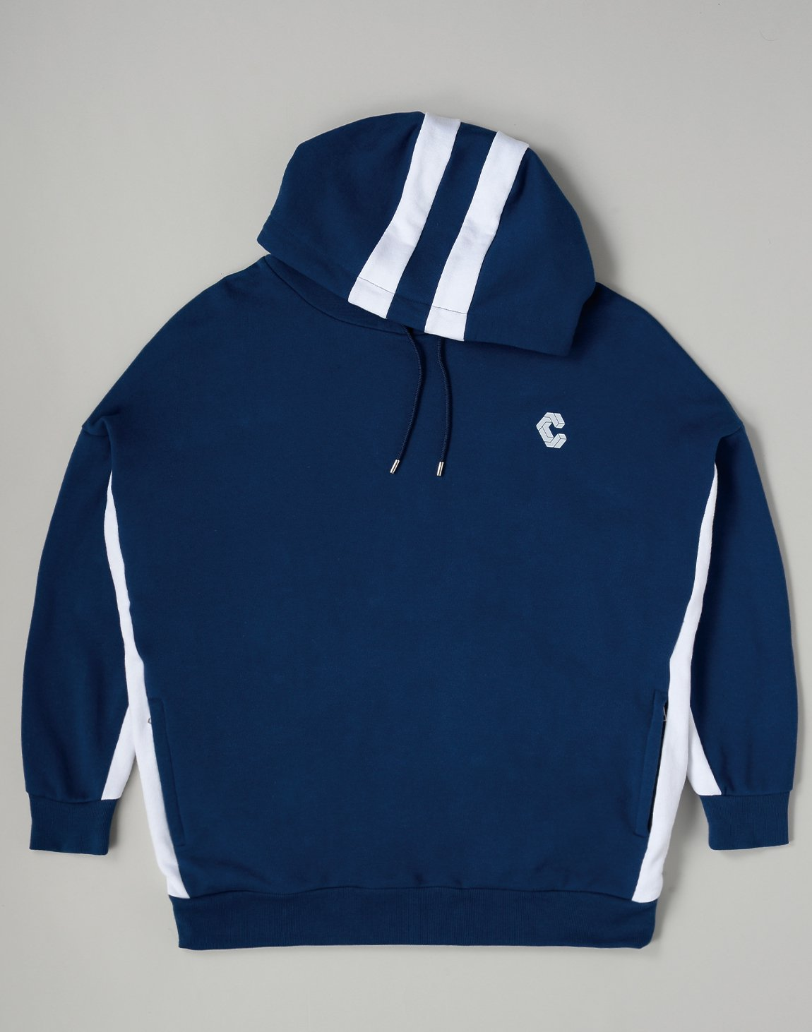 <img class='new_mark_img1' src='https://img.shop-pro.jp/img/new/icons1.gif' style='border:none;display:inline;margin:0px;padding:0px;width:auto;' />CRONOS 2STRIPE HOODIE【NAVY】