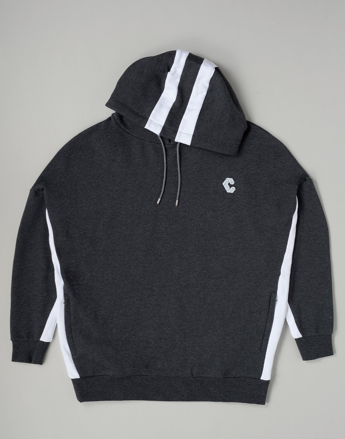 <img class='new_mark_img1' src='https://img.shop-pro.jp/img/new/icons1.gif' style='border:none;display:inline;margin:0px;padding:0px;width:auto;' />CRONOS 2STRIPE HOODIE【C.GRAY】